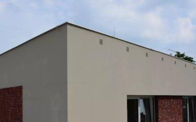 Netěsná cihlová stěna byla pro majitele nového bytu velkým překvapením